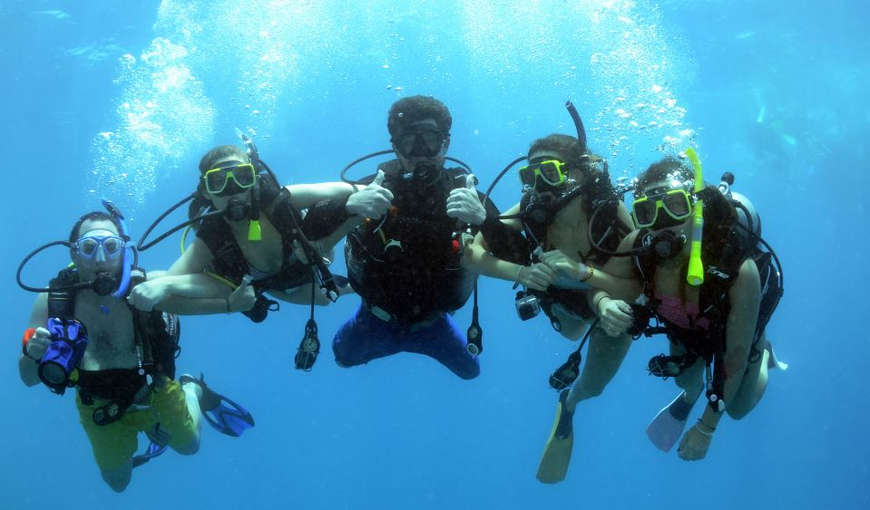 resort-scuba-dive - reef trip